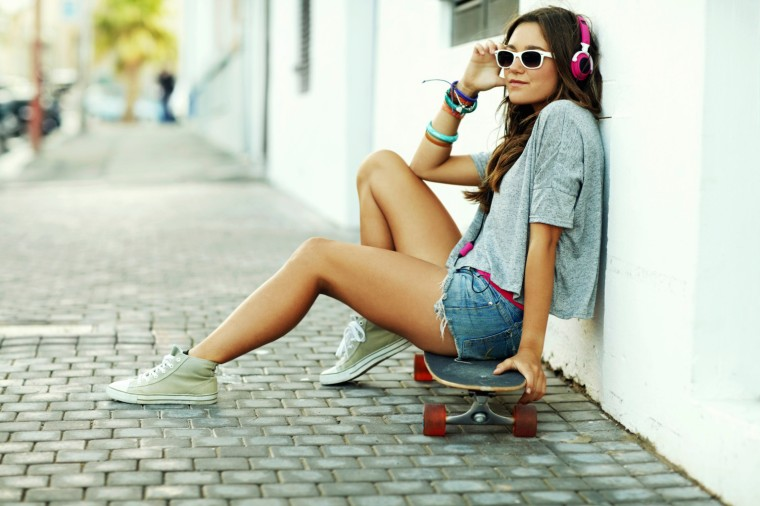 o-teen-listening-to-music-skateboard-facebook